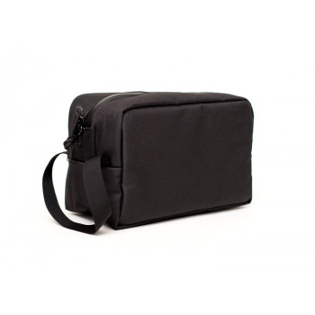 EL NECESER- THE TOILETRY BAG
